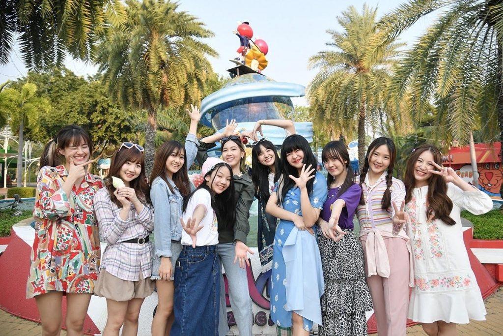 รวม 3 รุ่นของวง BNK48