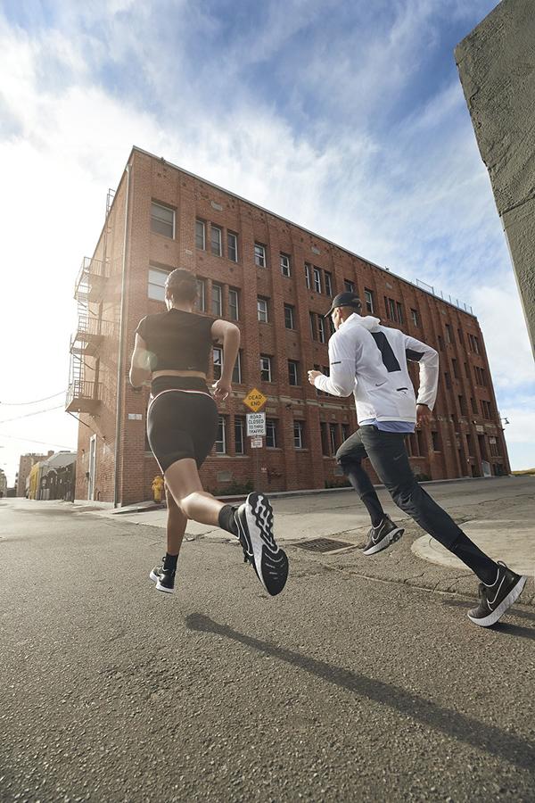 รองเท้าวิ่ง Nike Mens Infinity Run