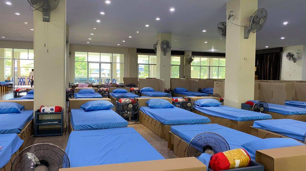 8. ภาพบรรยากาศเตียงสนามสำหรับผู้ป่วยโควิด 16