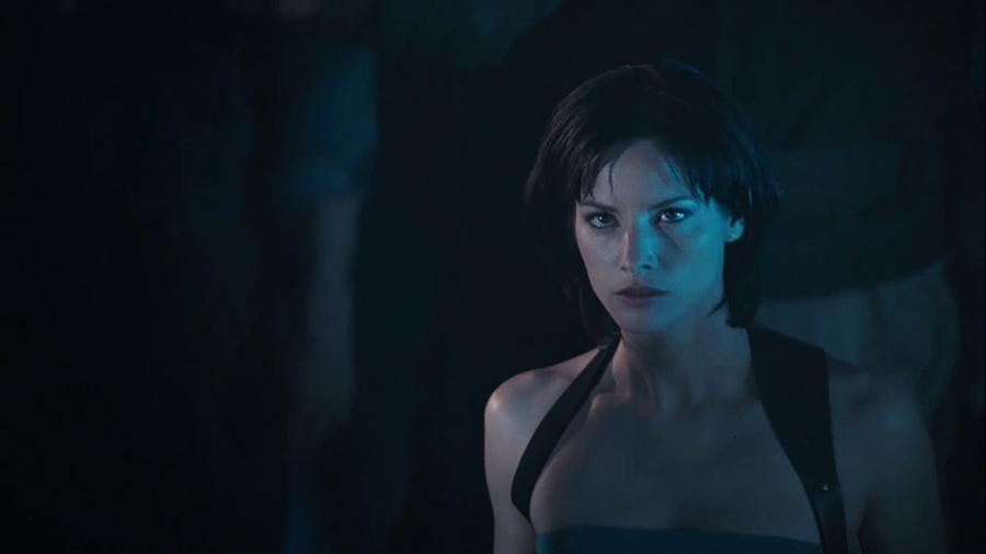 6.ภาพยนตร์ Resident Evil Apocalypse ผีชีวะ 2 ผ่าวิกฤตไวรัสสยองโลก